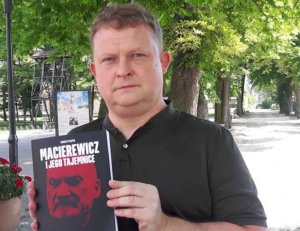 tomaszpiatek-macierewiczksiazka655