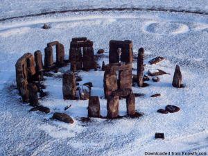 stonehenge-snow_800